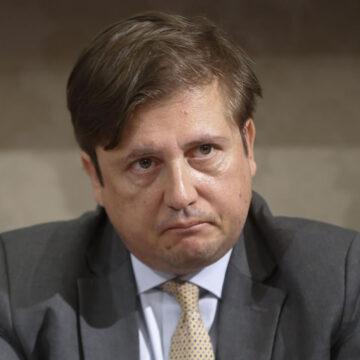 """Ministero della Sanità: Pierpaolo Sileri """"Coronavirus, trend in calo ma ancora tanti morti"""""""