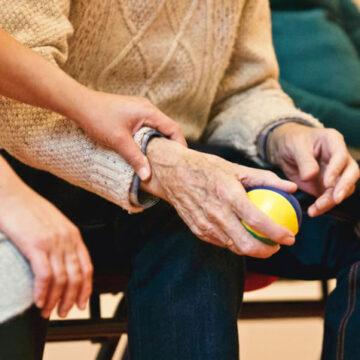 Che posto hanno i caregiver familiari nella Repubblica Italiana?