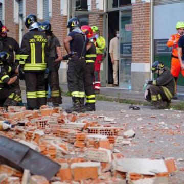 Albizzate (Varese): crolla il tetto di una ex fabbrica. Morti una mamma e i suoi due figli