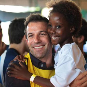 La challenge globale di Alessandro Del Piero per sconfiggere il lavoro minorile insieme a Save the Children