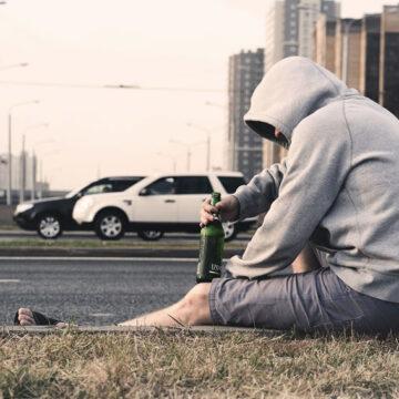 Minori a rischio: adolescenti allo sbaraglio tra alcol e droghe
