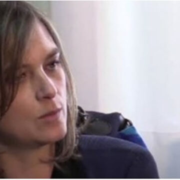 """La PM di Lecco Laura Siani, 44 anni, trovata morta in casa: """"probabile suicidio""""…"""