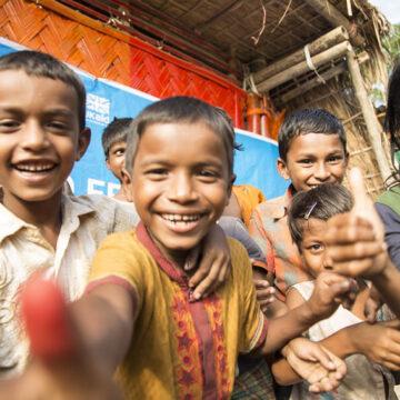 Rohingya: NEGLI ULTIMI ANNI più di 100.000 bambini nati nei campi profughi in Bangladesh e Myanmar