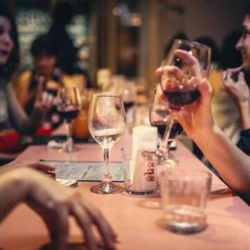 Fase 3: autunno caldo in vista per bar e ristoranti. 300.000 dipendenti in meno ad Agosto