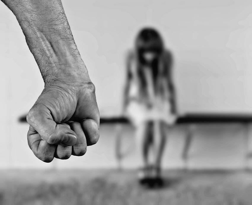 Lignano: 15enne violentata in spiaggia – Identificati 3 minorenni