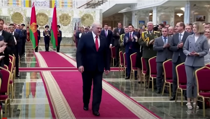 Bielorussia: Lukashenko ha giurato in segreto. E' presidente per la sesta volta. Critiche da USA e Unione Europea