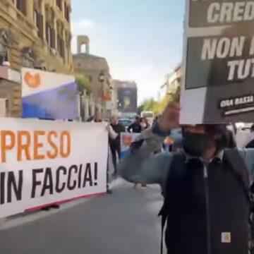 """Mercoledì 28 ottobre ore 11.30 ristoratori in 24 piazze a manifestare: il grido d'allarme """"Siamo a terra""""!"""