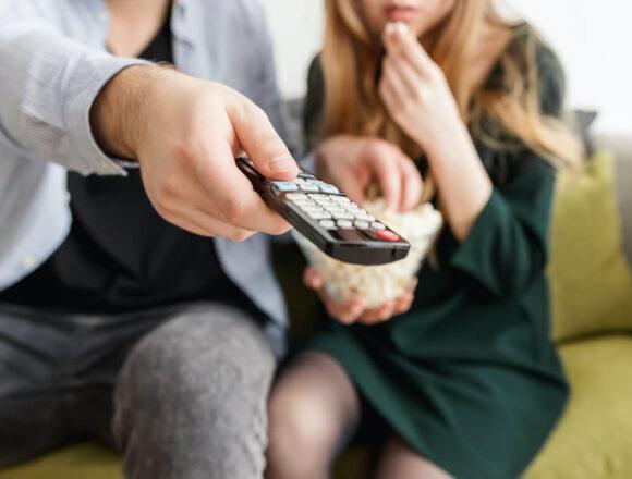 Coronavirus: una ricerca rivela come il virus può aver cambiato per sempre il modo di guardare la tv