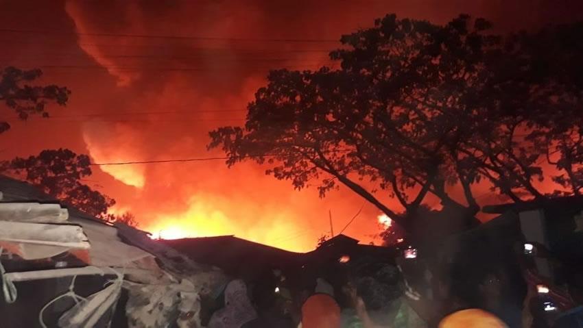 Bangladesh: un incendio ha devastato il campo dei Rohingya a Cox's Bazar