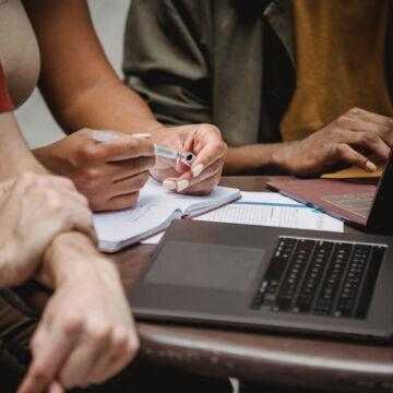 la ricerca di lavoro ora si fa online: come sono cambiate le abitudini dopo un anno di Covid-19