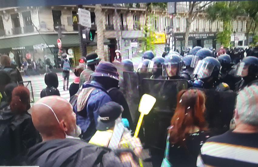 La Francia di Macron nella tempesta Covid – Reportage
