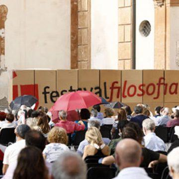 """Festivalfilosofia: la """"libertà"""" si riprende le piazze. Appuntamento al 2022 con """"giustizia"""""""