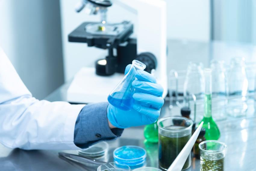 """Covid-19 e campagna vaccinale: l'EMA dice """"no"""" alla certificazione standard – La scienza ha tempistiche diverse rispetto a quelle della politica"""